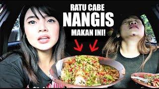 2 RATU CABE NANGIS MAKAN TAHU RAWIT INI! *Pedas Mampus* ft Farida Nurhan