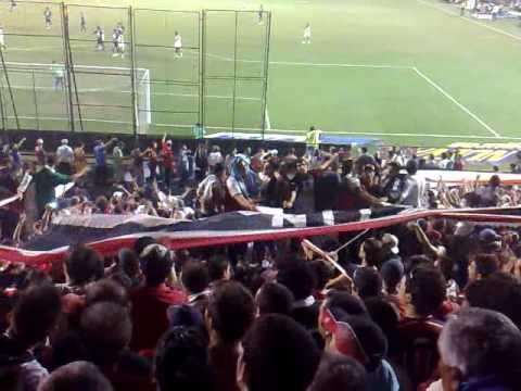Chacarita es fiesta en racing.mp4 - La Famosa Banda de San Martin - Chacarita Juniors