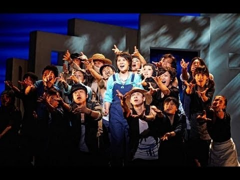 West End Theatre in China: Das Mandarin Mamma Mia! - David Lightbody