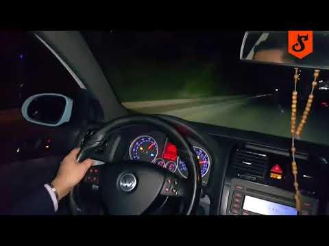 """""""Hamuj k**wa hamuj!"""" Dwóch typów nagrało jak rozbili Golfa GTI na autostradzie!"""