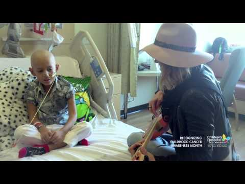 Rachel Platten singing Fight Song with a precious cancer patient