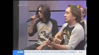 Slam - Rindiani dan Nur Kasih Live + Interview di MHI (25 Ogos 2016) Video