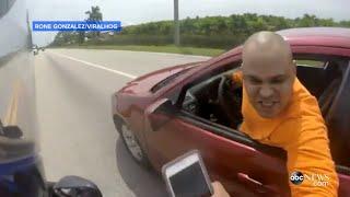 Video Wild Motorcycle Road Rage Fight Caught on Camera [RAW VIDEO] MP3, 3GP, MP4, WEBM, AVI, FLV Maret 2019