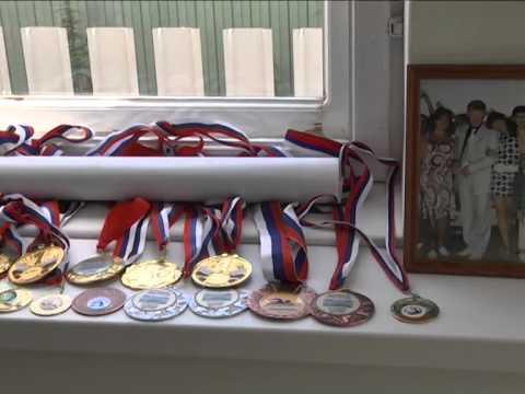 80-летний ветеран спорта выиграл 4 медали ЧМ по плаванию
