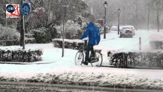 s-Hertogenbosch Netherlands  city images : Winter cycling in 's-Hertogenbosch NL