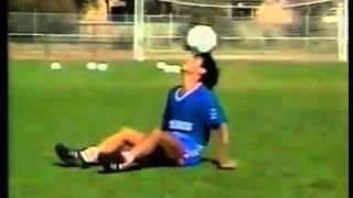 Hugo Sanchez zeigt seine Technik