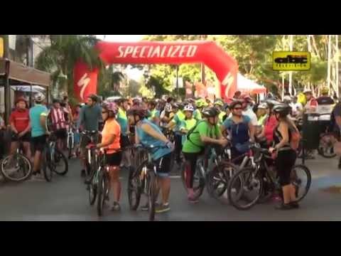 Ciclistas recorren siete iglesias