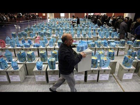Κύπρος: «Μάχη» για τους αναποφάσιστους ψηφοφόρους λίγο πριν τις κάλπες…