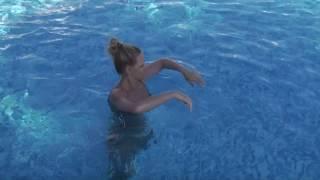 My no ordinary swimming at holiday :)Enjoy!Facebook: http://www.facebook.com/letsfunaugsburgHomepage: http://www.letsfun-studio.deMusik: La Luz Del Flow