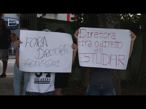 Escola estadual é alvo de protestos no Jardim Guarará;