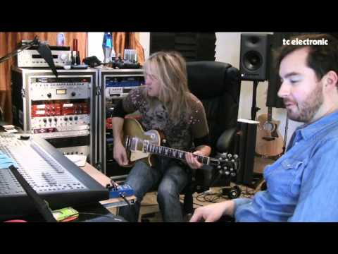 Doug Aldrich creates a TonePrint for TC Electronic's Flashback Delay & Looper