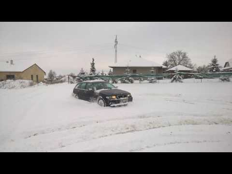 BMW e46 325xi touring drift test 4x4 ve sněhu 25cm , in den Schnee 25cm , snow 25cm
