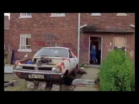 Rita, Sue & Bob Too clip (1986)