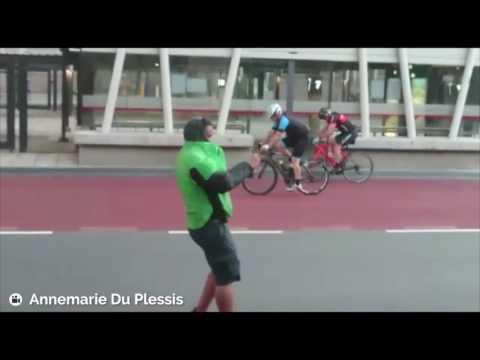 Wyścig kolarski przy wietrze dochodzącym do 100 km/h