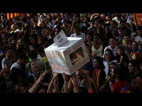 Καταλονία: Άκαμπτοι για το δημοψήφισμα