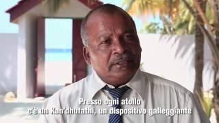 """La parola """"Atollo"""" deriva dal divehi """"Atholhu"""", termine ripreso e reso celebre da Charles Darwin. Questa discendenza lessicale rivela l'anima delle Maldive: ..."""