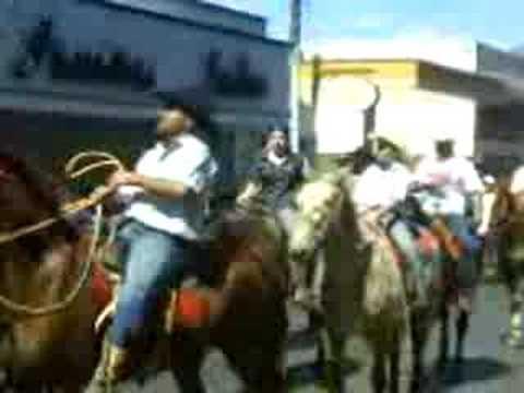 Desfile de Cavaleiros em Cajuru (4/12)