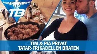 Auf vielfachen Wunsch zeigen wir euch in diesem Video wie wir unser Tatar zubereiten. Speziell standen Tatar-Frikadellen auf dem Plan. Wir hoffen euch gefällt ...