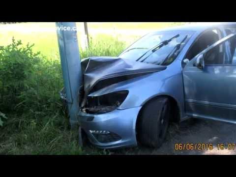Dopravní nehoda - náraz do sloupu