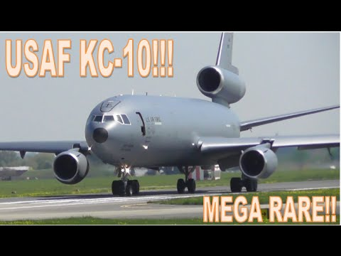 The classic old USAF KC-10 in action!...