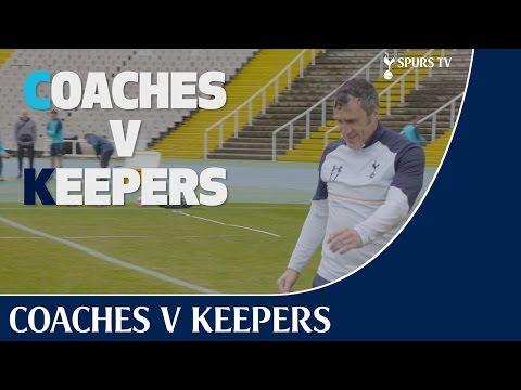 Video: Mauricio and Toni take on the keepers in Barcelona
