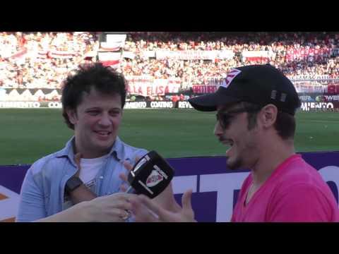 Gol de Media cancha con Darío Lopilato y Tomás Fonzi