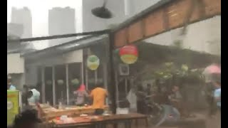 Video Puting Beliung Landa Kawasan Kuningan, Jakarta MP3, 3GP, MP4, WEBM, AVI, FLV Desember 2018