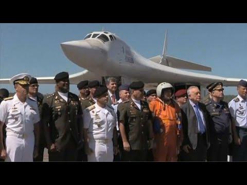Βομβαρδιστικά στη Βενεζουέλα στέλνει η Ρωσία
