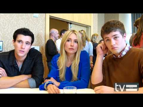 Falling Skies Season 2 - Drew Roy, Sarah Carter & Connor Jessup Interview