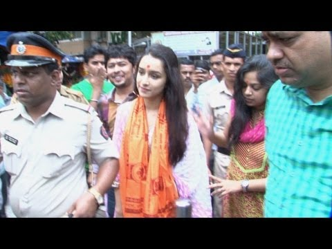 Shraddha Kapoor At Siddhivinayak Temple For Success Of Movie Ek Villain