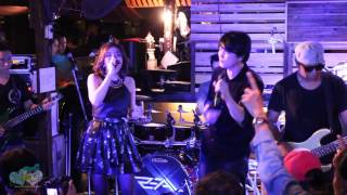 Download Lagu [Fancam] เป๊กซ์ Zeal feat.หนูนา - หมดชีวิต(ฉันให้เธอ) @ร้านสวนเส มหาดไทย Mp3