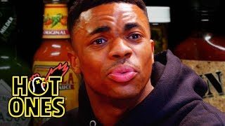 Video Vince Staples Delivers Hot Takes While Eating Spicy Wings | Hot Ones MP3, 3GP, MP4, WEBM, AVI, FLV Juni 2019