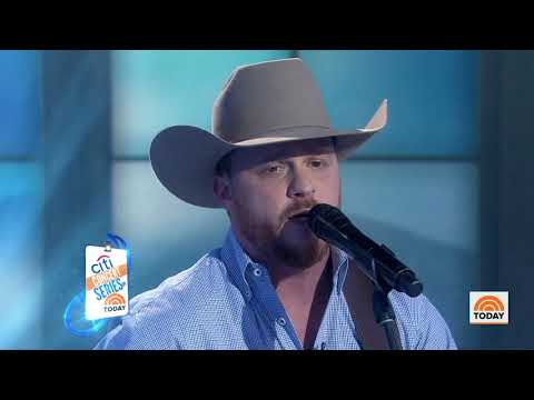 Watch Cody Johnson Perform 'on My Way To You' Live