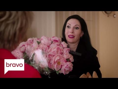 Odd Mom Out: Jill Goes on Strike (Season 2, Episode 7) | Bravo