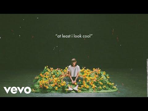 Sasha Sloan - at least i look cool (Lyric Video)