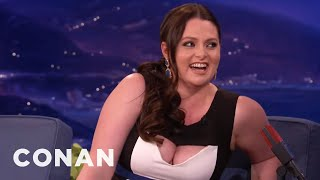 Lauren Ash's Armpit-Sniffing Date From Hell