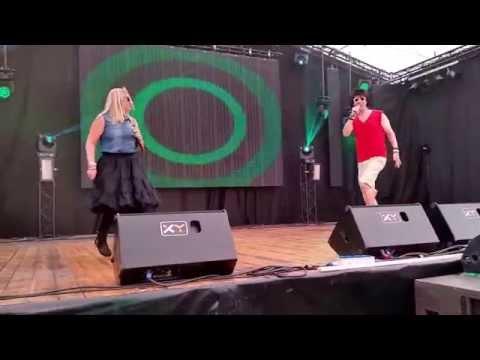 Fabrizio en Kiki - Kokos Shampoo live op de MP feesten Geleen
