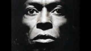 - Miles Davis Tutu -
