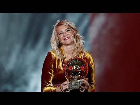 Το κακόγουστο αστείο του παρουσιαστή να ζητήσει… twerking από τη νικήτρια της Χρυσής Μπάλας