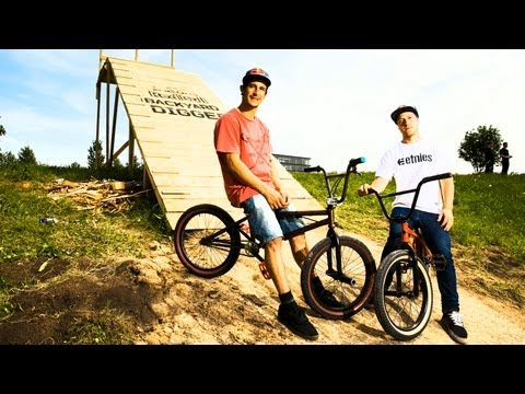 Build + Ride BMX Dirt - Red Bull Backyard Digger 2013 Kaunas_A h�ten felt�lt�tt legjobb extr�msport vide�k