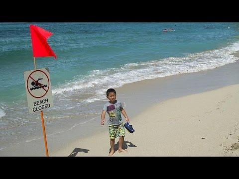 Γέμισαν λύματα οι καταγάλανες ακτές της Χαβάης