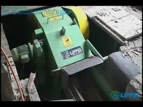 Reciclagem de Madeira com Pregos e Grampos com o Picador de Madeira Lippel PTL 170 X 400