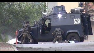 Sultanbeyli'nde polis merkezine düzenlenen bombalı araçlı saldırıda 3'ü polis 10 kişi yaralandı. Olayda İstanbul Emniyet Müdürlüğü Bomba İmha ve İnceleme Şube Müdürü şehit düştü. 3 terörist öldürüldü.