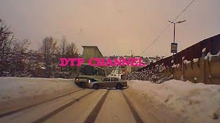 Видеорегистраторы и многое другое от магазина http://www.tehnoman.ru/page110dir/id=8437930/Ваше КАСКО, ОСАГО, страховка за границу и от клеща тут http://goo.gl/pZMe7AГруппа вконтакте http://vk.com/club75523806   Добавляйтесь!Не забудь подписаться  на новые видео DTP CHANNELhttp://www.youtube.com/user/RolikBest?sub_confirmation=1.Аварии и ДТП на регистраторКомментируй ролик и выскажи свою точку зрения об этом видео https://youtu.be/4sE_PLXl9RA