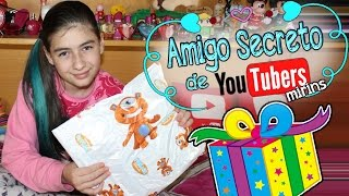 Amigo Secreto de Youtubers Mirins para comemorar o dia do amigo com troca de presentes por Marina Bombonato No vídeo de...