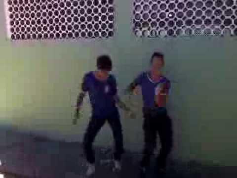 Dança maluca Kaic e Darlei
