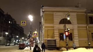 Зима в России глазами грека: опасные сосульки