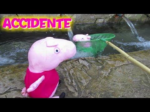 ¡ACCIDENTE! Peppa Pig rescata a George que cae al agua con una red  Vídeos de Peppa Pig en español