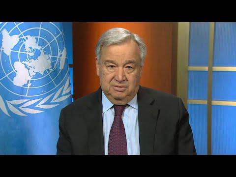 Musíme minimalizovat poplatky za přeshraniční platby, vyzývá generální tajemník OSN