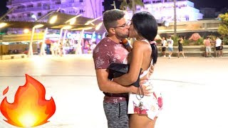 Download Video Kissing Prank - NIGHT EDITION MP3 3GP MP4
